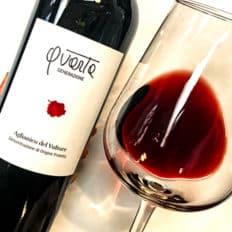 Vino rosso saggio Aglianico