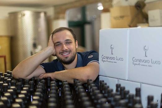 Luca Canevaro e le sue bottiglie di timorasso