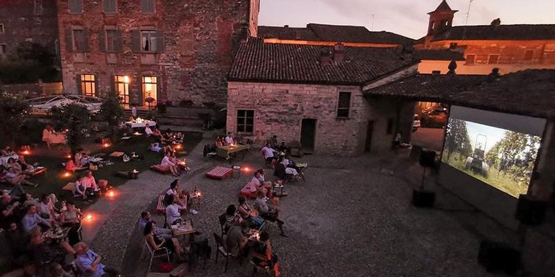 Cinema all'aperto nella cantina del Monferrato Cinque Quinti